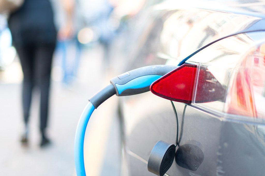 Cómo realizar una instalación de recarga para tu coche eléctrico